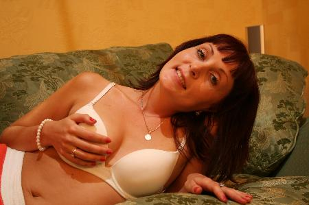 Horny Auntie Phone Sex Fantasies With Auntie Quinn